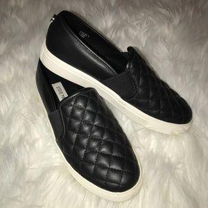 Steve Madden Shoes - Steve Madden Ennore Sneaker